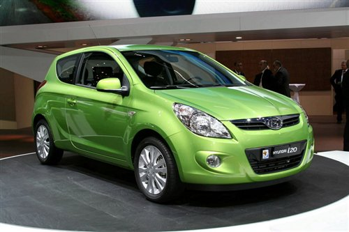 今年初在日内瓦车展发布现代i20三门版