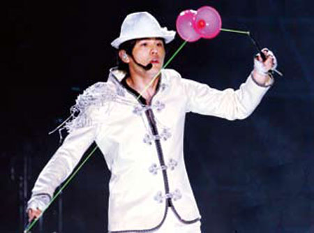 周杰伦   华语乐坛最具号召力的歌手周杰伦把时装上图片