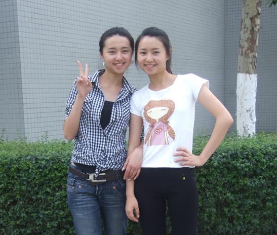 05快女双胞胎_