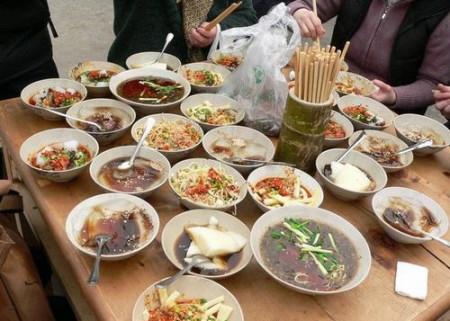 成都洛带古镇的客家风味美食图片