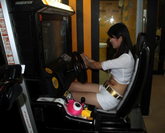 本届成都车展最贵赛车游戏机图片