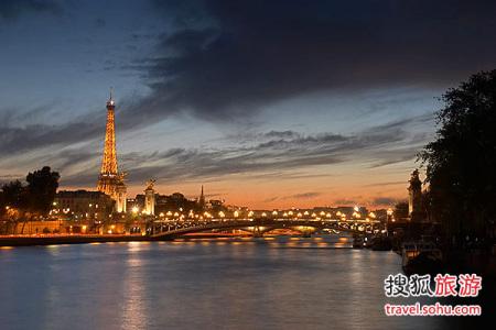 塞纳河夜景高清图片