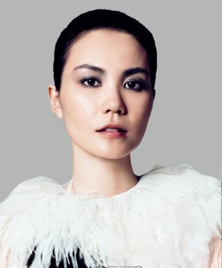 王菲复出登时尚杂志封面