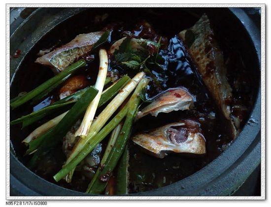 伴随周末太阳到新津吃石头--新津老砂锅鱼头火锅