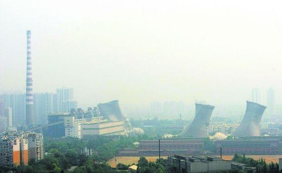 嘉陵电厂冷却塔趴下 中心城区已无重大单个污染源