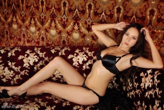 安吉莉卡 道端性感寫真 秀超長美腿