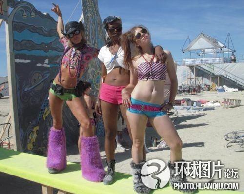 裸体胖人人体艺术_汇集沙漠奇装异服狂欢; 美国人超大胆异想火人节(15); 超大胆人体艺术