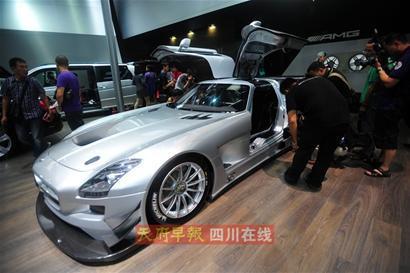 """成都已经成为继北京、上海、广州之后国内最重要的豪车市场。""""   ――沃尔沃全球高级副总裁沈晖"""