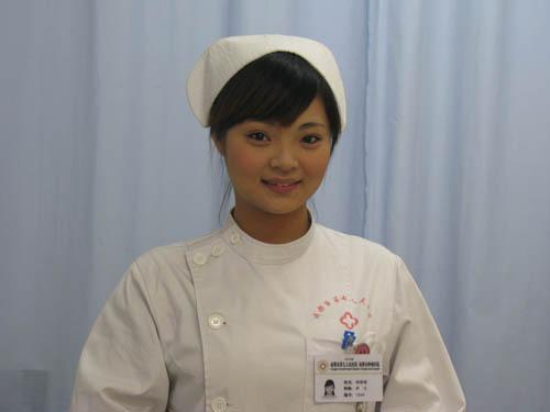 成都公立医院美女护士如云