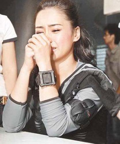 阿娇哭的很伤心-十大明星哭相曝光 范冰冰董卿最唯美 图集