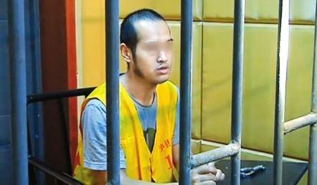 王某目前已被刑拘。(视频截图)