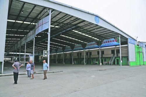 2012年8月19日,聚和(国际)果蔬交易中心,当天没有商户经营