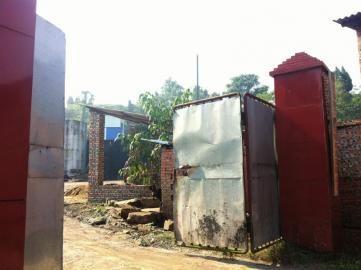 炼油厂影响乡邻。