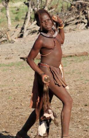 辛巴人是非洲最后的保持原始生态的民族
