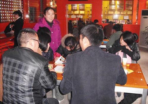年末打工返乡 学员纷纷求学成都新东方