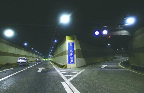 成都最长下穿隧道通车 3分钟穿越东客站(图)