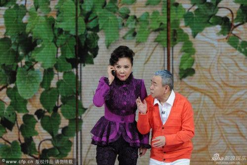蔡明潘长江小品《想跳就跳》引爆笑