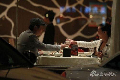 王大治在京幽会神秘女子