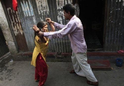 吃药催熟每天接客20人揭秘孟加拉悲惨的雏妓