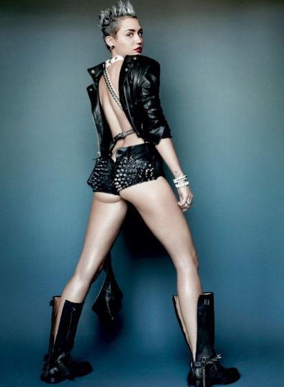 组图:甜心Miley全新写真双乳尽露秀股沟