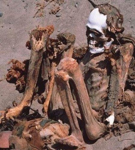 死后坐坑观天探索秘鲁恐怖干尸阵