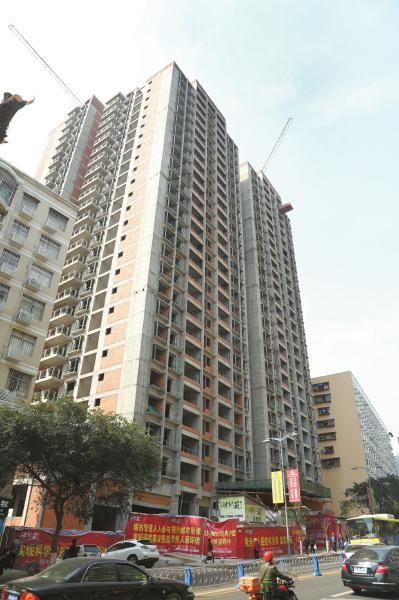 在手续严重不全的情况下,两幢楼房居然都修到了26楼。