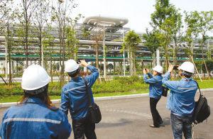 成都市人大代表考察四川石化炼化一体化项目