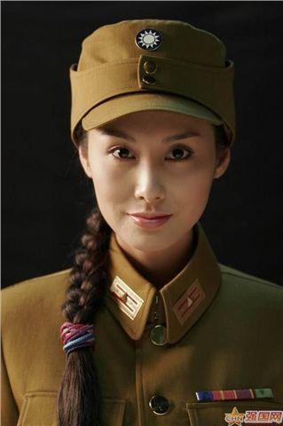 【盘点】穿军装的十大美女明星总有一款你喜欢的