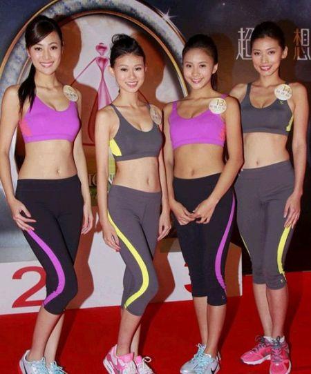 图:朱智贤(左)、沈佳澄、欧阳巧莹和林思韵穿上性感运动衫出席活动