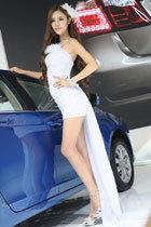 成都车展模特:美腿勾魂
