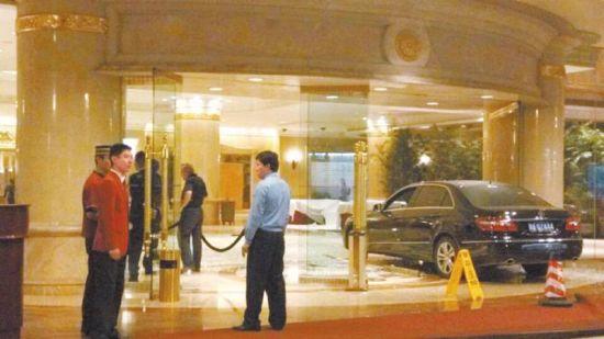 酒店大堂事故现场。