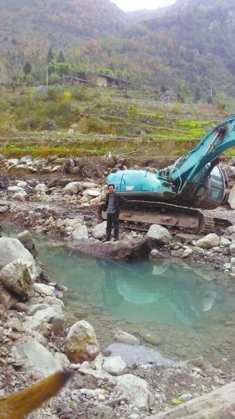 乌木挖掘现场。受访者供图。