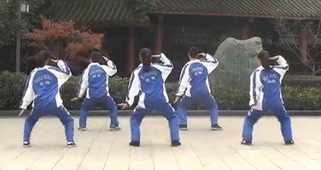 成都石室学生自创街舞课间操
