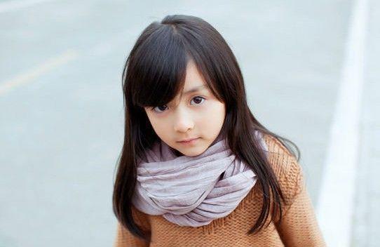 五岁可爱女孩图片