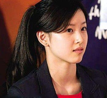 刘晓庆成最早春晚女主持