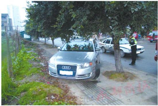 警方在遂宁市宜园路将肇事车辆查获。图据遂宁交警二大队