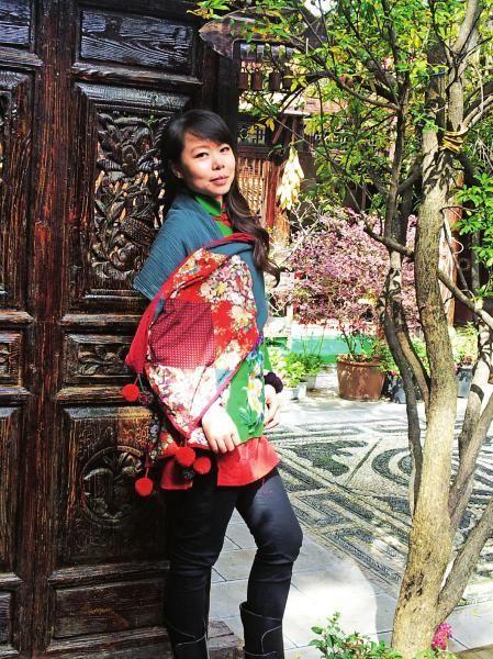 生活中,钟华是个温柔的小女人。