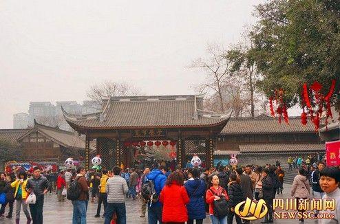 蓉城各旅游景点 依然火爆。