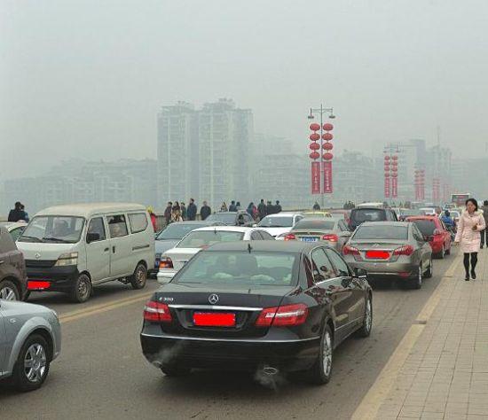 2月24日,内江雾霾严重