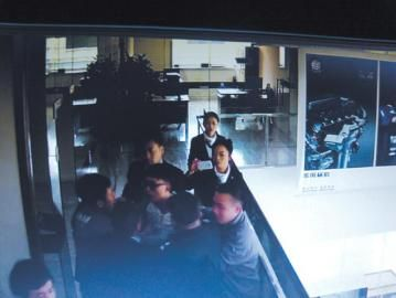 因买车纠纷,隋亮与4S店起争执。