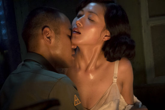 阮经天床战舌吻万茜 钮承泽:让我看到舌头