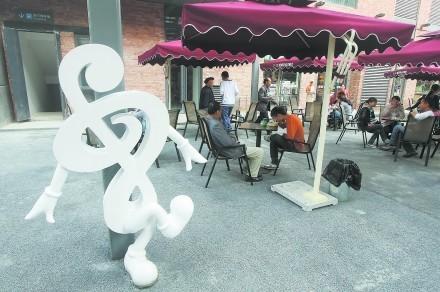 创意音乐雕塑_音乐人物雕塑现代人物雕塑