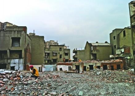 西林社区六、七组旧房拆除正加紧实施(图片来源成都商报)