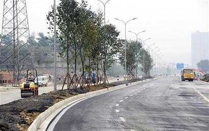 建材路北延线正在进行最后施工
