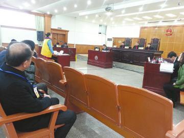 昨日庭审现场。