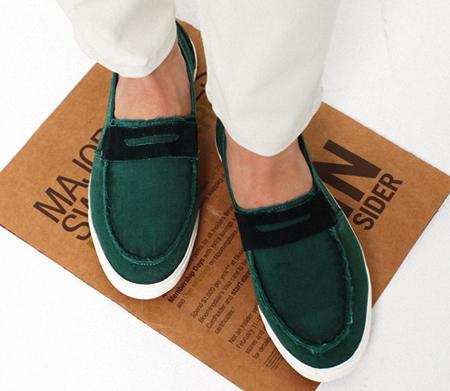 休闲鞋履品牌geox