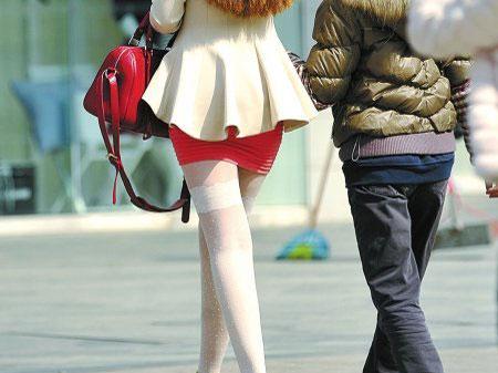 川美女秀黑丝美腿